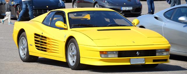 FERRARI-TESTAROSSA-1986-yellow-front