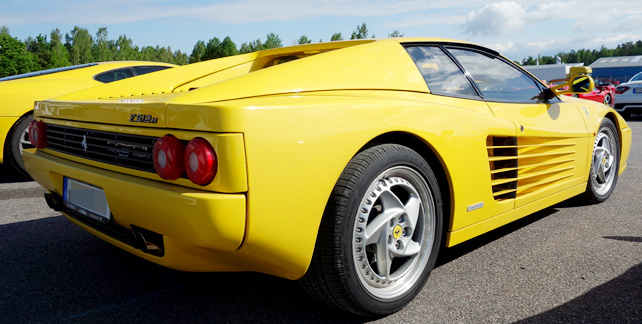 ferrari-512m-rearside1