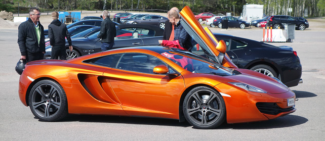 /usr/share/nginx/html/wp content/uploads/2015/05/mclaren mp4 12c senior citizen pile up